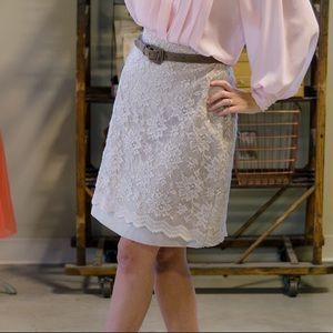 Dresses & Skirts - Vintage cream lace short skirt